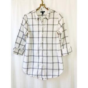 🌸2/30 Gap Black & white checked button down shirt